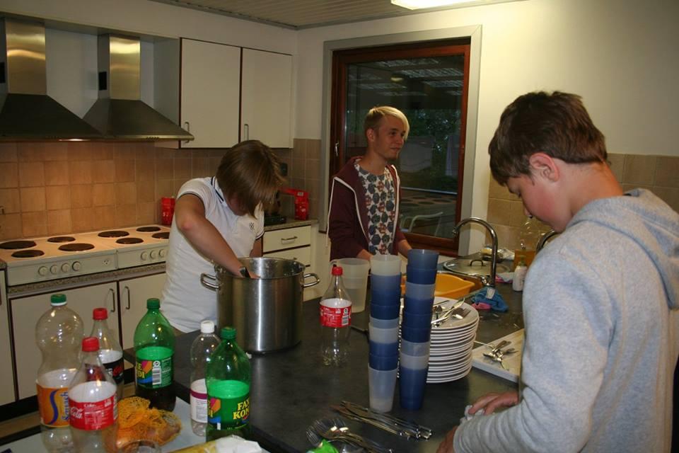 Der skulle ryddes op i køkkenet